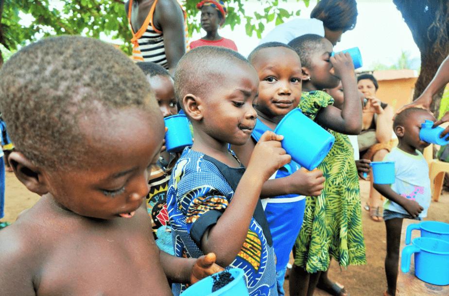 Distribution sociale de Spiruline pour des enfants au Togo