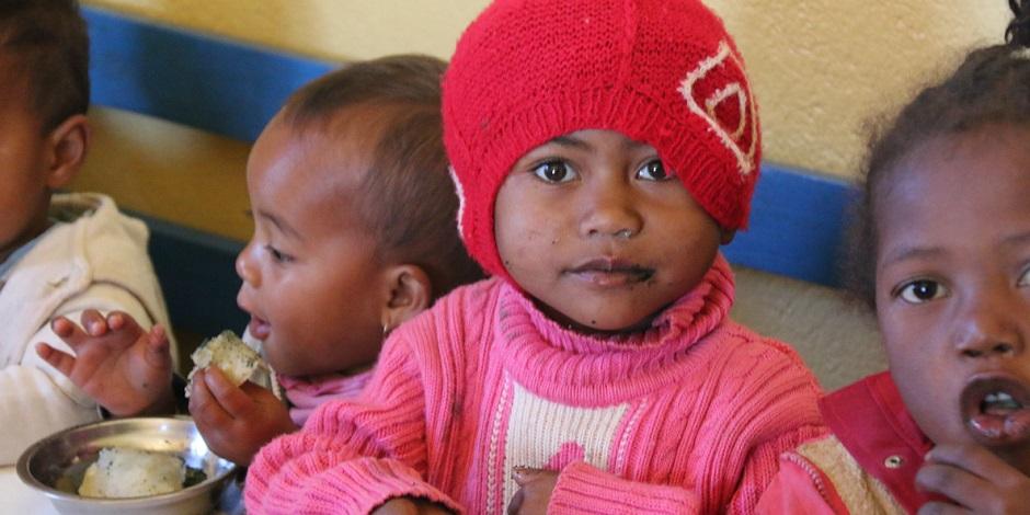 ... dont une partie importante est donnée à des enfants souffrant de carences alimentaires