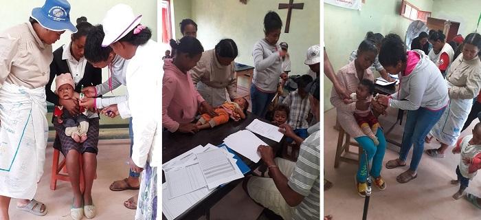 Photos illustrant la prise de taille, poids et périmètre brachial des enfants au démarrage de la cure - programme Odadi Madagascar