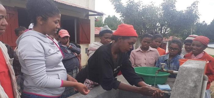 Cours sur l'importance de l'hygiène des mains - programme Odadi Madagascar