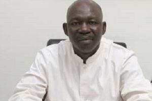 Photo du professeur Sadio Yena, responsable du service de Chirurgie Thoracique de l'hopital du Mali