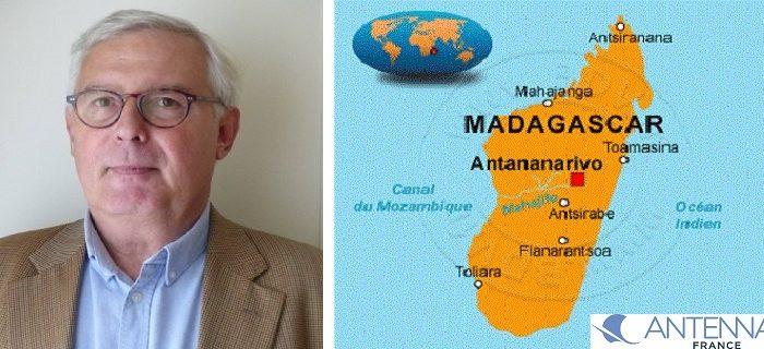Portrait de Marc Colas de la Noue avec carte de Madagascar